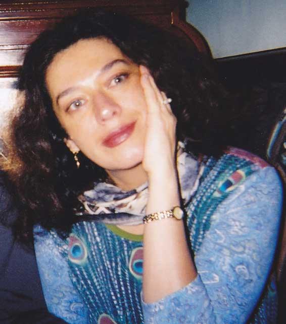 A headshot of Georgiana Rosca